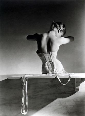 horst-mainbocher corset
