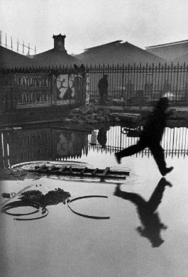 Place-de-l-Europe-Stazione-Saint-Lazare-Parigi-Francia-1932-C-Henri-Cartier-Bresson-265 390