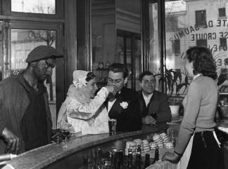 Robert Doisneau Cafe noir et blanc Joinville 1948