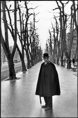 Viale-del-Prado-Marsiglia-Francia-1932-C-Henri-Cartier-Bresson